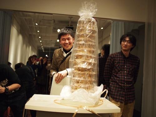 背の高いケーキ