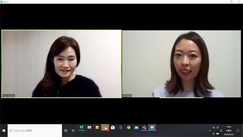 オンライン会議システムを使用したインタビュー中の写真。左にインタビュアーの岩楯が、右にインタビューイの日髙が画面に写し出されている。